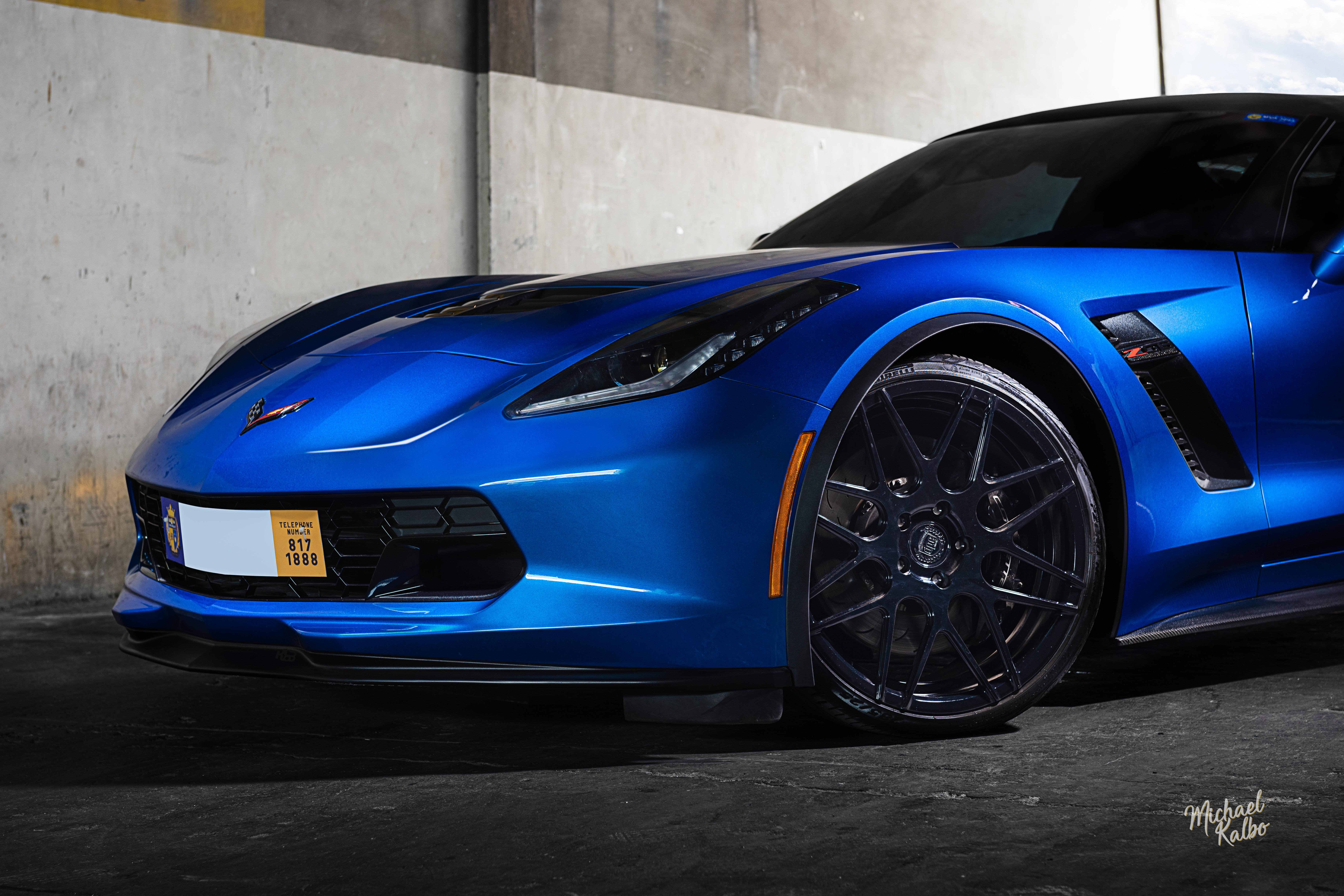 Chevrolet Corvette-1-2