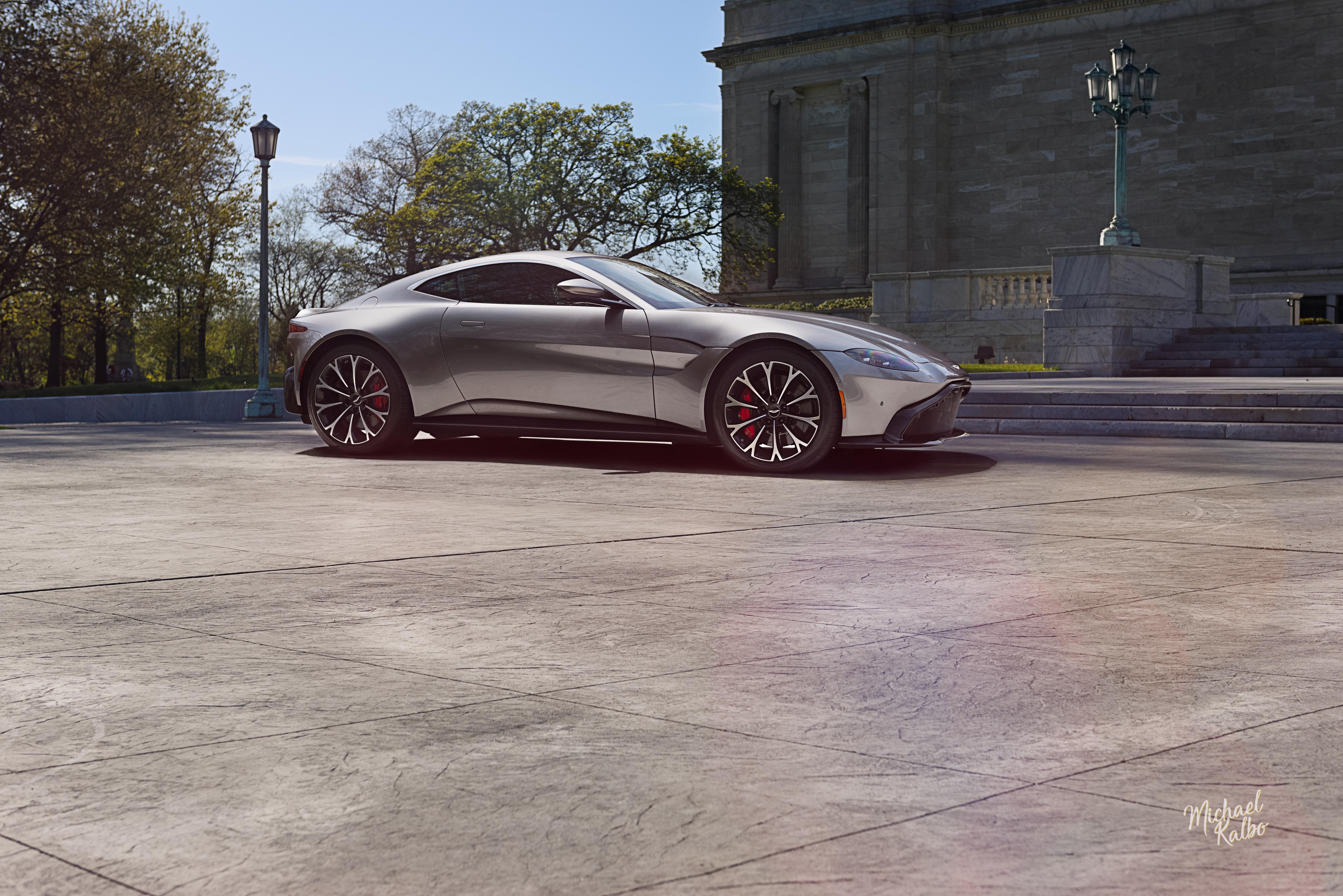 2018 Aston Martin Vantage-5