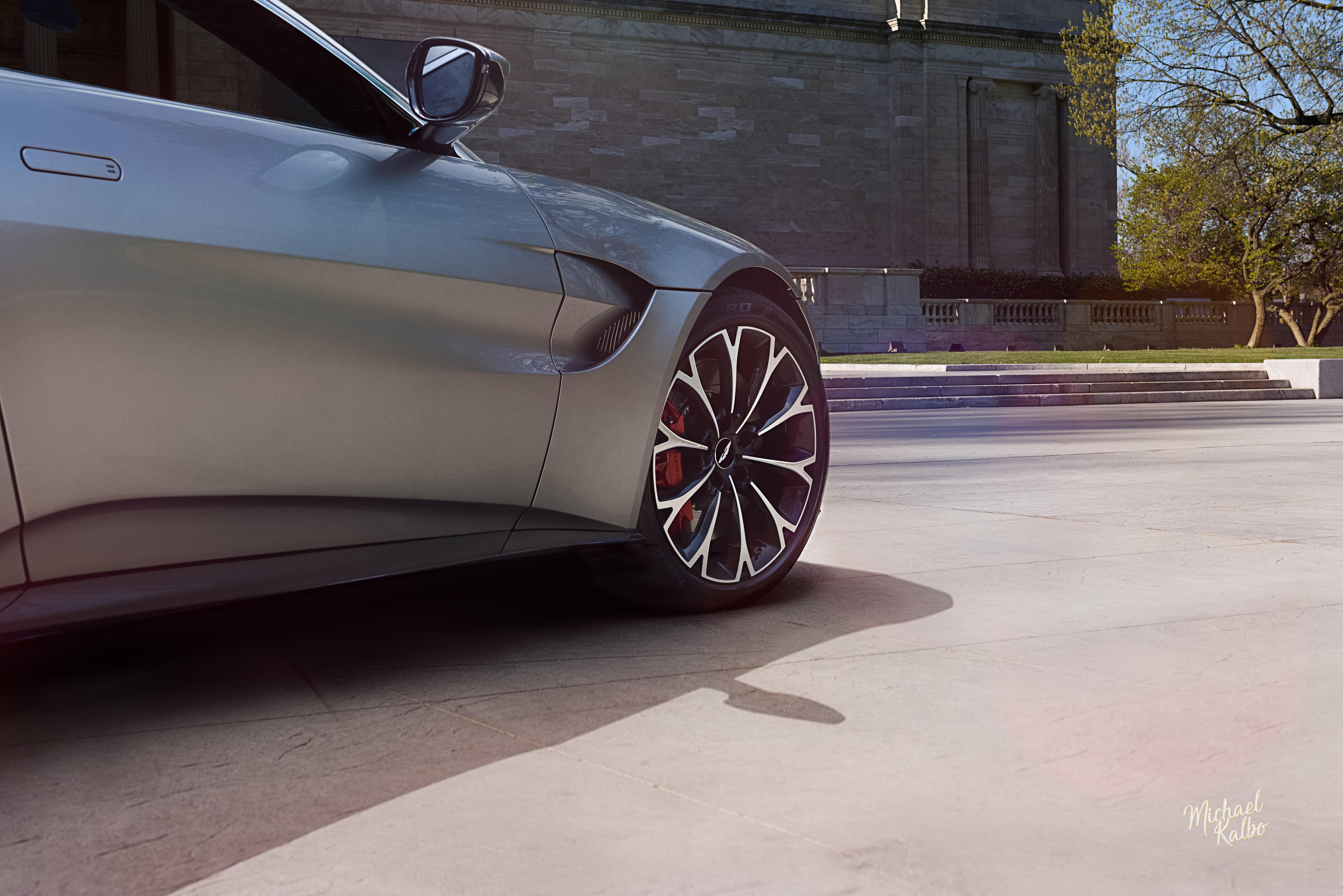 2018 Aston Martin Vantage-6